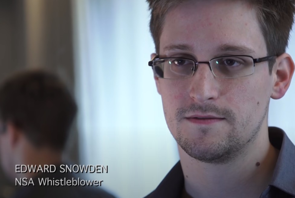 👍 NSA whistleblower Edward Snowden: 'I don't want to live in a society that does these sort of things'
